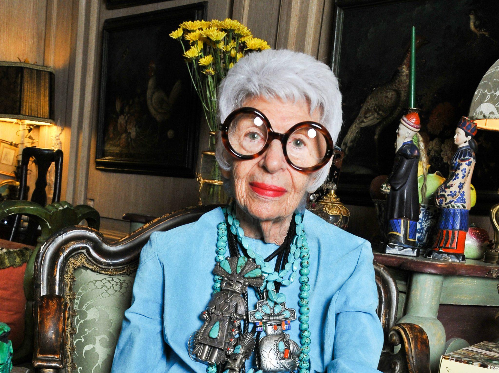 l gende de la mode et ic ne pub l 39 age de 94 ans. Black Bedroom Furniture Sets. Home Design Ideas