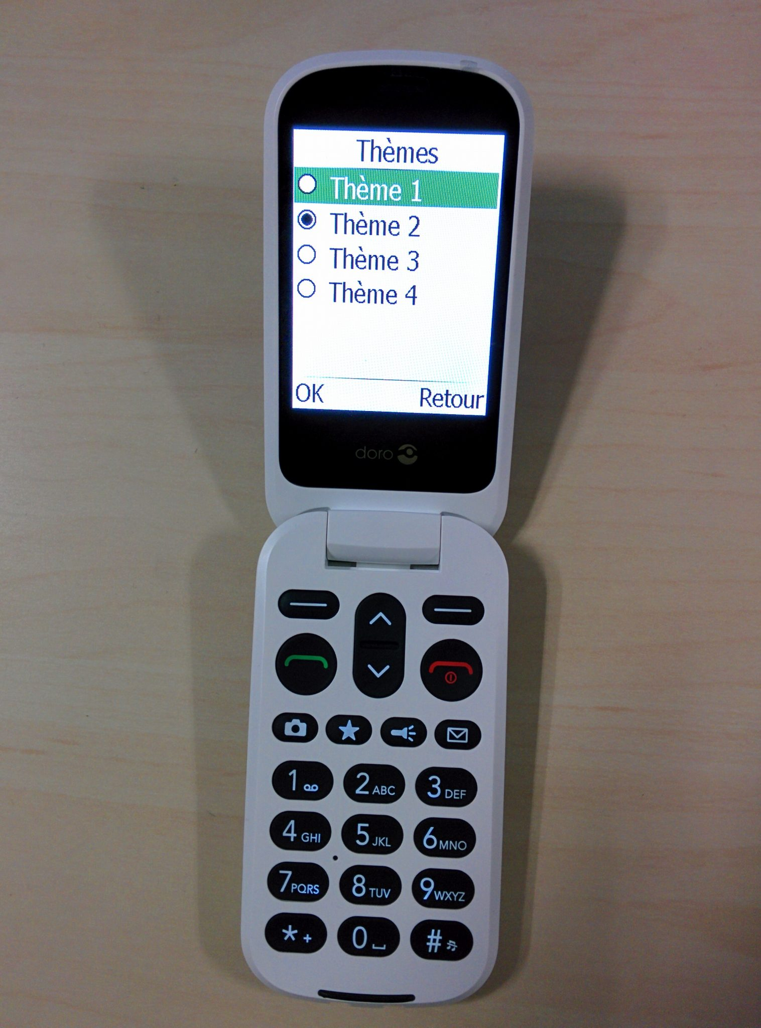 doro 6050 t l phone mobile clapet t l phone senior doro. Black Bedroom Furniture Sets. Home Design Ideas