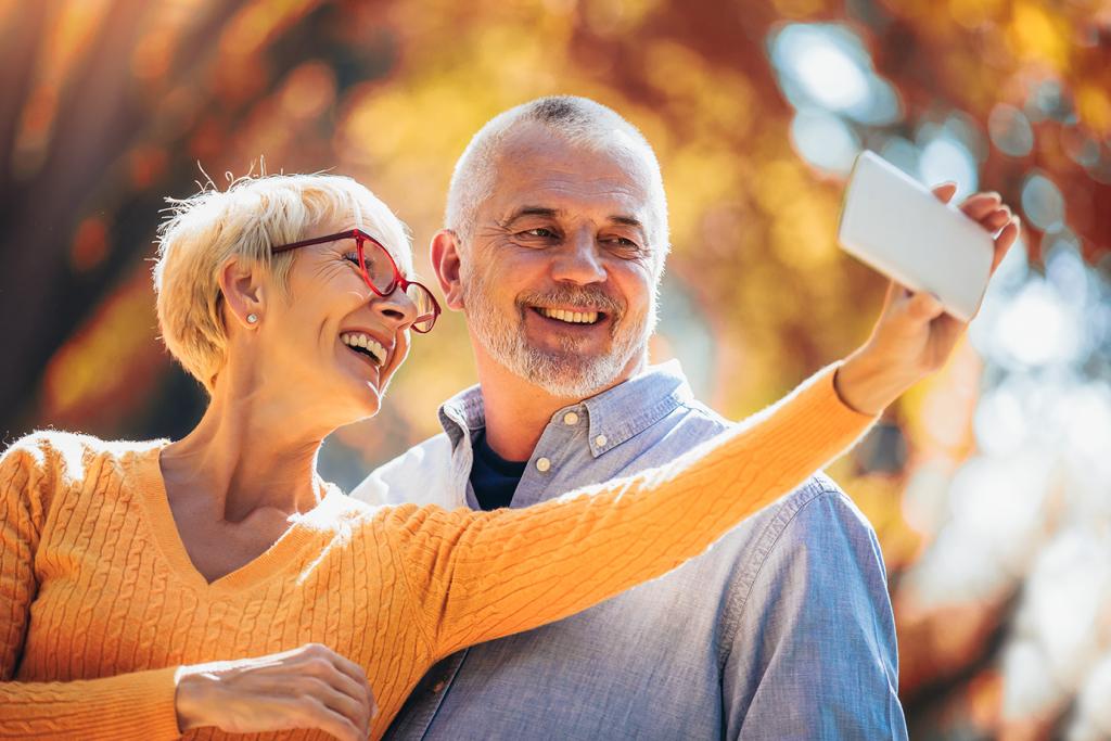 seniors smartphone